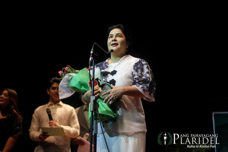 "Cannes Best Actress and D_ Originals lead star Ms. Jaclyn Jose received the ""Natatanging Gawad Pasado 2016"". (Photo courtesy of Ang Pahayang Plaridel)."