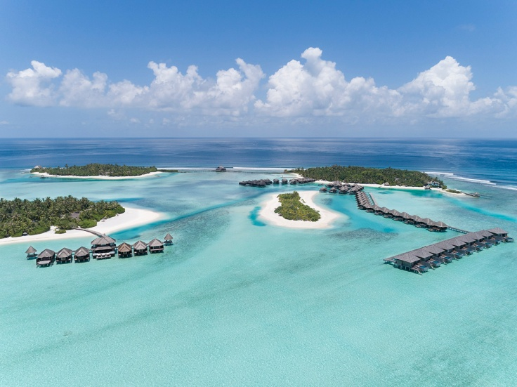 Anantara_Veli_Aerial_with_Naladhu_and_Dhigu_Spa