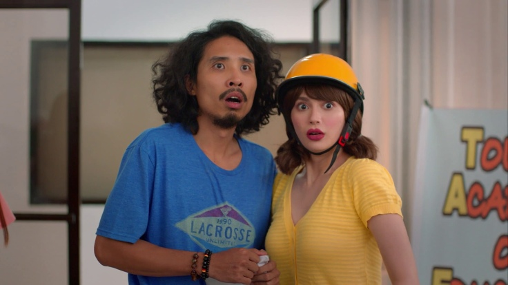 Pepe Herrera and Arci Munoz in iWant's original series Jhon en Martian