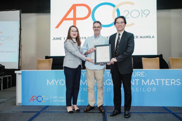 Essilor-APOC 2019-Dr. John Bartlett-Dr.John Ang