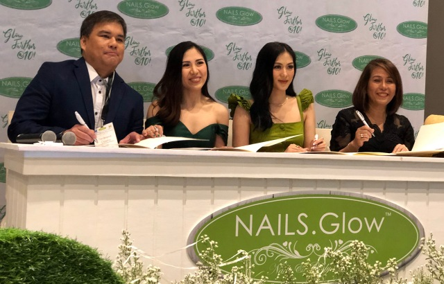Alex Gonzaga Nails Glow 02