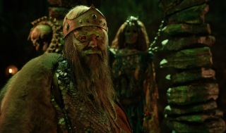 CURSED (L TO R) OLAFUR DARRI OLAFSSON as RUGEN THE LEPER KING in episode 104 of CURSED Cr. Netflix © 2020