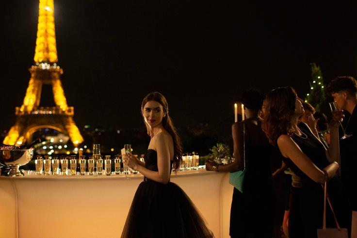 Emily in Paris 01